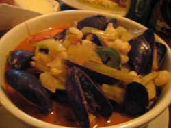 Itzocan_bistro_seafood_pozole
