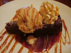 Itzocan_bistro_tequilla_chocolate_cake
