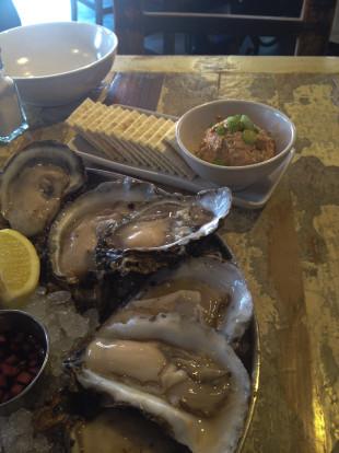 peche oysters & smoked tuna dip